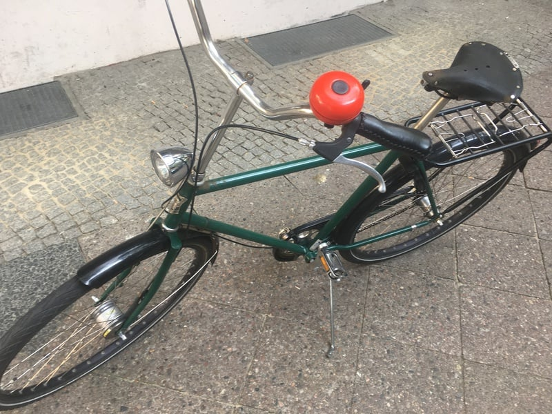 Red bell, green bike